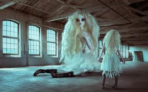 Картинка девушка, ситуация, кукла