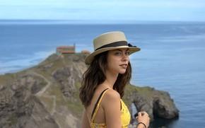 Картинка girl, summer, beach, ocean, coast, hat, brunette, vacation, travel