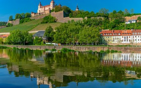 Картинка деревья, отражение, река, здания, дома, Германия, Бавария, крепость, набережная, Germany, Bavaria, Вюрцбург, Würzburg, Marienberg Fortress, …