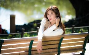 Картинка девушка, азиатка, милашка, скамья, боке