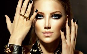 Картинка глаза, девушка, лицо, стиль, модель, руки, макияж, браслет, украшение, маникюр, Анна Субботина