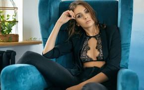 Картинка взгляд, девушка, поза, портрет, кресло, Александр Юшкевич