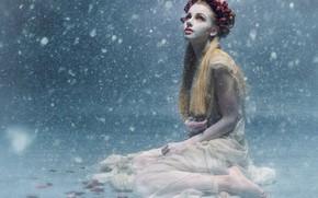 Картинка девушка, снег, поза, венок, холодно, Jessi Lindl