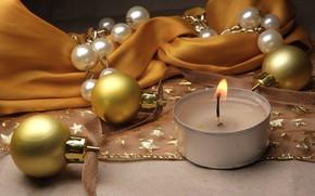 Картинка шарики, праздник, свеча, Рождество, Новый год, ткань, бусы, новогодние украшения, новогодние декорации