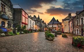 Картинка закат, цветы, Франция, здания, дома, площадь, France, клумбы, Brittany, Бретань, Rochefort-en-Terre, Эдуард Горобец, Рошфор-ан-Тер