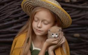 Картинка шляпа, малыш, рыжий, дружба, девочка, котёнок, друзья, закрытые глаза, Елена Михайлова