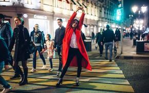 Картинка девушка, поза, стиль, настроение, улица, руки, пальто, Roma Roma, Наталья Чуйко