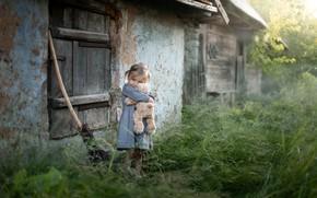 Обои детство, дом, мишка, девочка