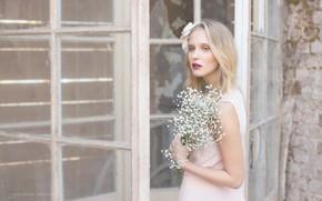 Картинка взгляд, девушка, цветы, Dorota Gorecka, Patrycja Iwanska