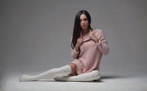 Картинка взгляд, девушка, поза, фон, ноги, гольфы, свитер, Karen Abramyan