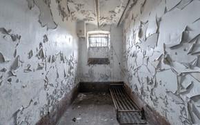 Картинка кровать, камера, окно, тюрьма