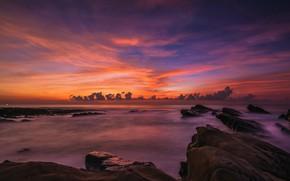 Картинка море, небо, облака, пейзаж, закат, яркий, камни, скалы, сиреневый, берег, цвет, вечер, горизонт, прибой, сумерки, …