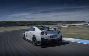 Картинка белый, трасса, Nissan, GT-R, R35, Nismo, 2020, 2019, перед поворотом
