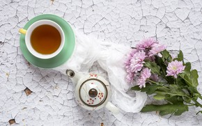 Картинка цветы, фон, розовые, хризантемы, wood, pink, flowers, cup, violet, tea, чашка чая