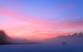 Картинка холод, зима, лес, пейзаж, природа, туман, озеро, пруд, река, синева, люди, розовый, рассвет, голубой, спорт, …