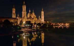 Картинка деревья, ночь, мост, огни, река, дома, фонари, Испания, дворец, Zaragoza
