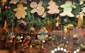 Картинка зима, ветки, праздник, игрушки, печенье, Рождество, Новый год, хвоя, много, разные, ёлочные игрушки, новогодние украшения, …