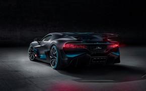 Картинка фон, вид сзади, гиперкар, Divo, Bugatti Divo, 2019 Bugatti Divo