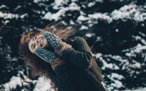 Картинка зима, улыбка, волосы, Девушка, варежки, Ольга Лаферова, Александра Турбина