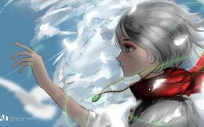 Картинка девушка, рука, кулон