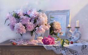 Картинка свечи, зеркало, клубника, натюрморт, пионы