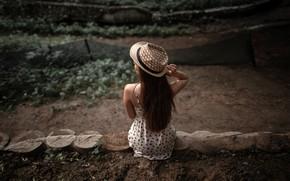 Картинка девушка, поза, модель, шляпа, фигура, платье, шатенка, сидит, в белом, задом, боке