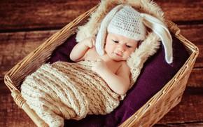 Картинка ребенок, малыш, лежит, корзинка, шапочка