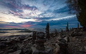 Картинка небо, закат, озеро, камни, побережье, Висконсин, Wisconsin, Lake Michigan, Sevastopol, Севастополь, пирамидки, Озеро Мичиган, Whitefish …