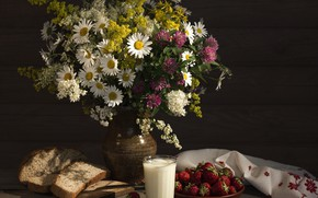 Картинка ромашки, букет, молоко, клубника, хлеб