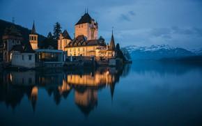 Картинка пейзаж, горы, природа, утро, Швейцария, освещение, сумерки, Замок Оберхофен, Тунское озеро, Thunersee, Schloss Oberhofen