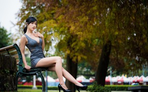 Картинка девушка, парк, ножки, азиатка, скамья