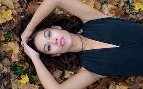 Картинка девушка, лицо, модель, фигура, лежит, красотка