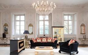 Картинка дом, лампы, диван, вилла, окна, интерьер, подушки, люстра, зеркала, роскошь, гостиная, лепнина