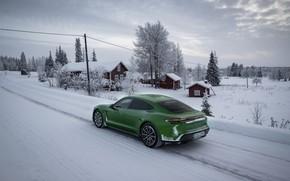 Картинка дорога, снег, Porsche, зелёный, строения, 2020, Taycan, Taycan 4S