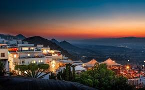 Картинка пейзаж, горы, город, дома, вечер, освещение, Испания, апартаменты, Андалусия, Мохакар