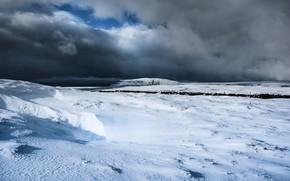 Картинка зима, поле, небо, облака, снег, пейзаж, горы, тучи, природа, пасмурно, холмы, зимний, равнина, простор, сугробы, …
