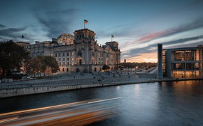 Картинка река, здание, Германия, набережная, Germany, Берлин, Berlin, Рейхстаг, Spree River, Reichstag, Река Шпрее