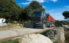 Картинка дорога, камни, растительность, грузовик, Renault, кузов, тягач, трёхосный, полуприцеп, Renault Trucks, K-series