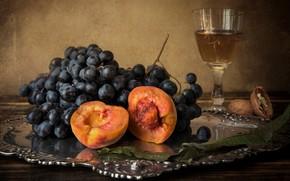 Картинка бокал, орех, виноград, натюрморт, персик, поднос