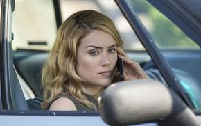 Картинка авто, поза, телефон, сериал, в машине, Чёрный список, The Blacklist, Меган Бун, Megan Boone, Elizabeth …