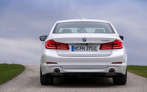 Картинка белый, BMW, седан, гибрид, корма, 5er, четырёхдверный, 2017, 5-series, G30, 530e iPerformance
