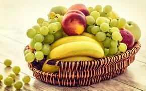 Картинка стол, доски, виноград, бананы, фрукты, корзинка, персики, разные, композиция, ассорти, нектарины