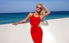 Картинка cleavage, sky, long hair, clouds, outside, tattoos, posing, red dress, sunglasses, beautiful face, outdoors, looking …