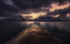 Картинка море, мост, человек