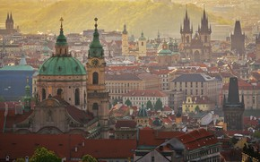 Картинка вид с высоты, утро, красота, храмы, башни, архитектура, крыши, город, дымка, Чехия, Прага, история, здания, …