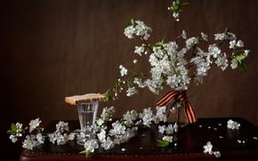 Картинка ветки, вишня, память, хлеб, день победы, натюрморт, водка, столик, 9 мая, рюмка, ленточка, Мила Миронова
