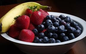 Обои стол, черника, клубника, ягода, тарелка, банан