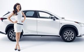 Картинка взгляд, белый авто, позирует над машиной, Девушки, Lexus NX, Agnieszka radwanska, красивая девушка