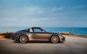 Картинка побережье, Porsche, 4x4, Biturbo, тарга, спецверсия, 911 Targa 4 GTS, Exclusive Manufaktur Edition