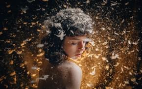 Картинка девушка, перья, пух, веснушки, Андрей Васильев